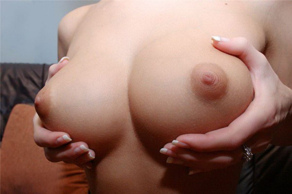 интим фото грудь