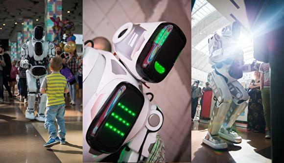 На форуме Путина в Ярославле показали «самого современного робота». Но это ростовая кукла