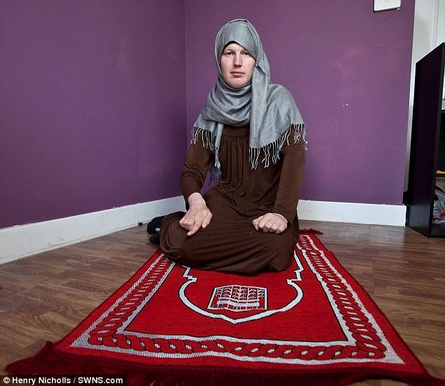 как меняют веру на ислам