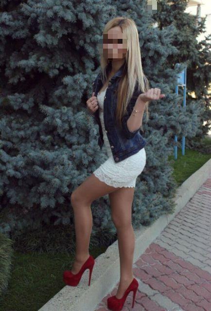 В подмосковной Коломне 19-летнюю местную жительницу подозревают в совращении подростков