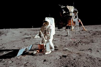 Об освоении Луны.