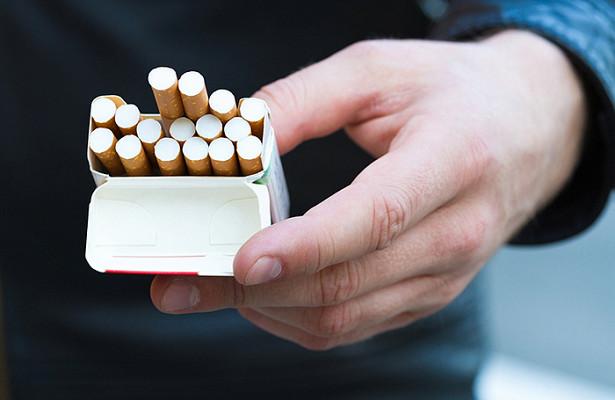 Курение рядом сподъездами могут запретить