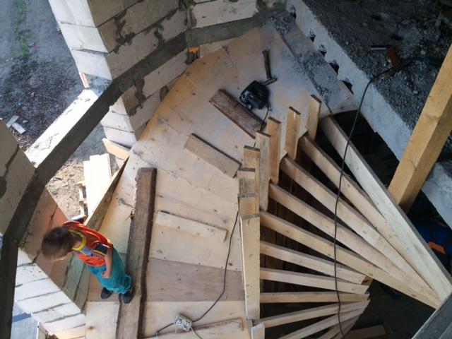 Как я лестницу круговую мастерил