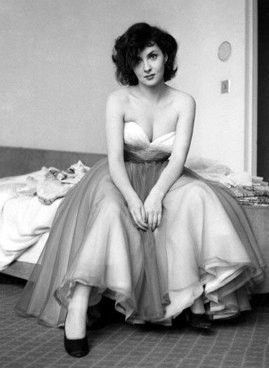 Красавицы 40-х годов (19 фото)