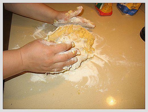 Два домашних тортика на песочном тесте