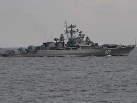 Украинские военные пожаловались на фрегат РФ, отогнавший их от буровой установки