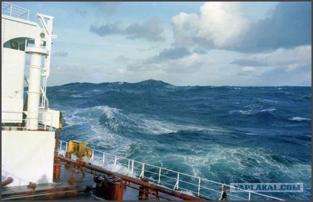 Шторм в океане