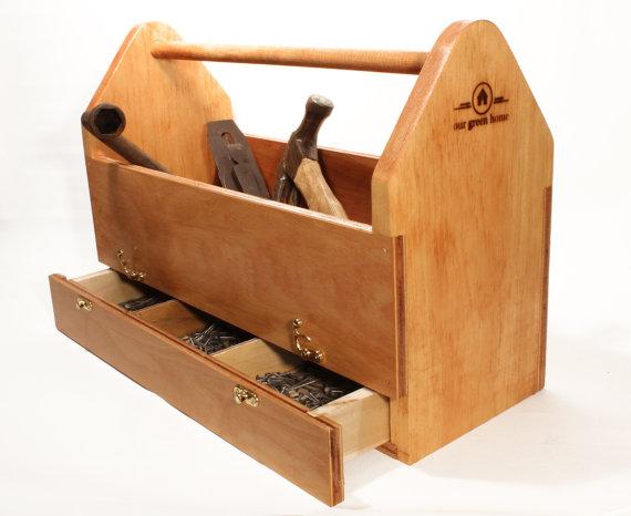 Деревянный ящик под инструменты