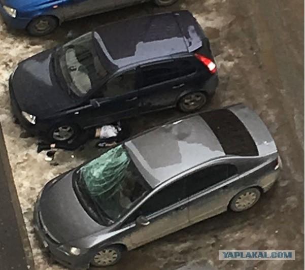 Выпрыгнувшая из окна девушка записала видео перед смертью