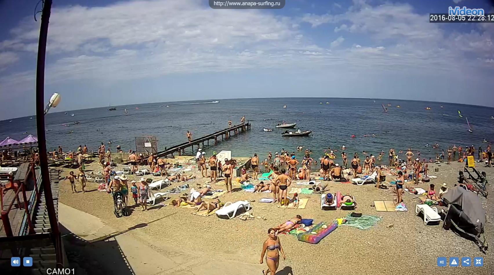 Сфоткал сестру на пляже 12 фотография