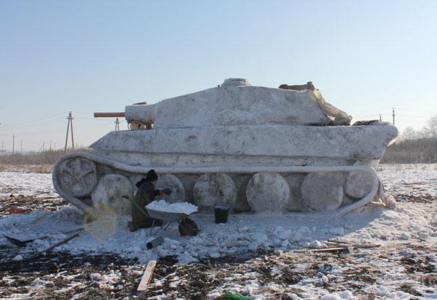 В огороде жителя Старого Оскола тает немецкий танк