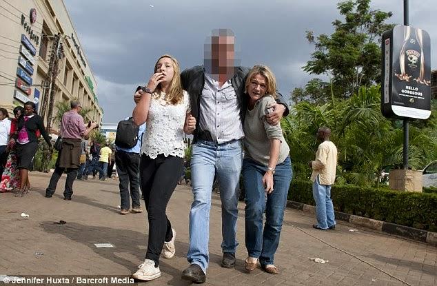 Человек с пистолетом спас 100 человек в Найроби.