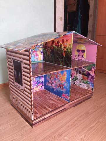 Кукольный домик для любимой дочери.