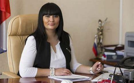 Водившая дружбу с <<авторитетами >> председатель суда Волгограда поймана с поличным