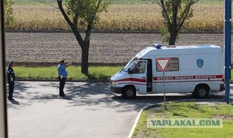 """Из-за Януковича не пускали """"скорые"""" к больным"""