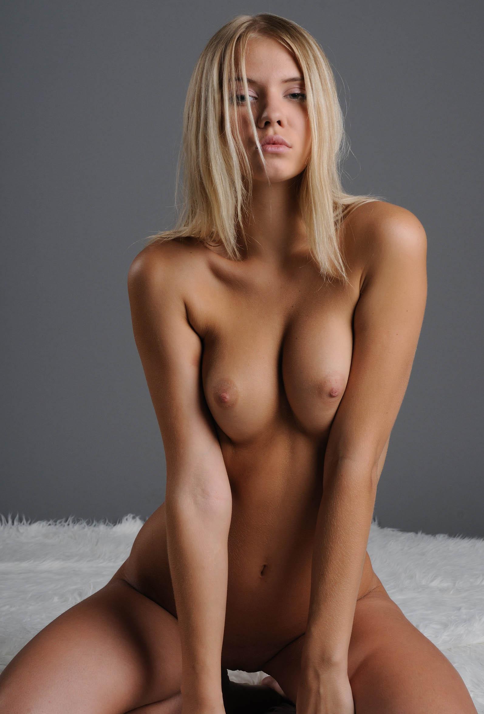 Роскошные девушки фото голышом 25 фотография