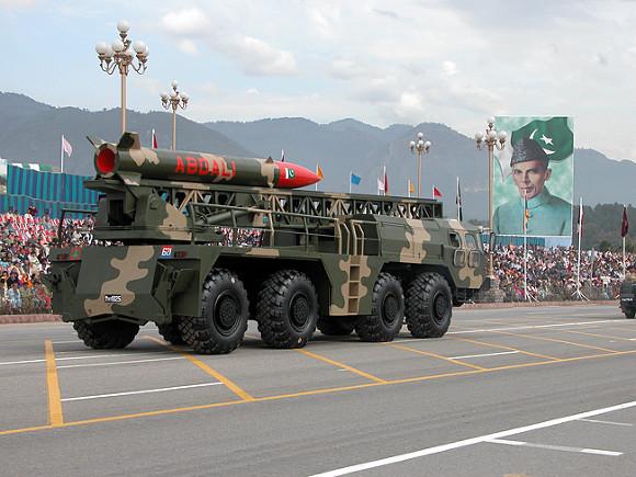 Индия и Пакистан привели в боеготовность ядерные силы