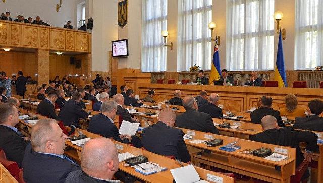 """Власти Закарпатья пригрозили Киеву """"донецким и луганским сценарием""""."""