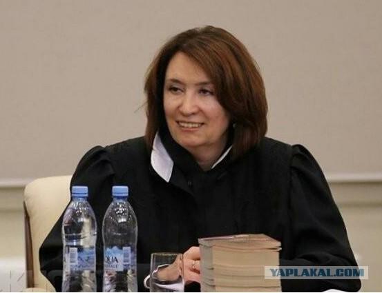 Сможет ли Путин ответить за судью Хахалеву?