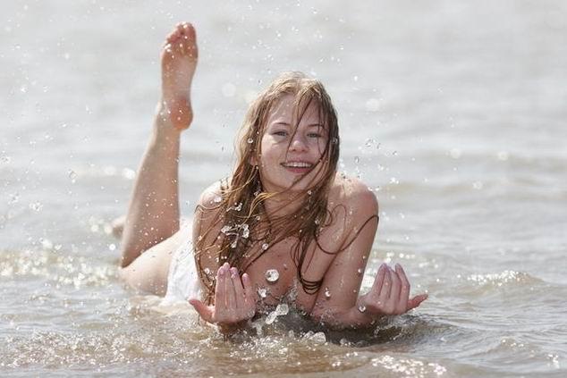 Пляжные девчонки