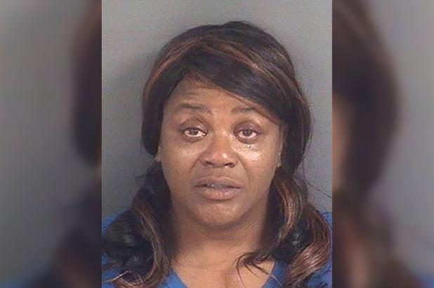 Домохозяйку арестовали за минет, который она насильно сделала ремонтнику