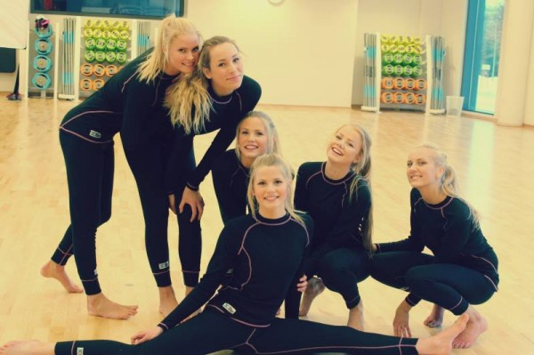 Красивые норвежские школьницы смотреть онлайн фотоография
