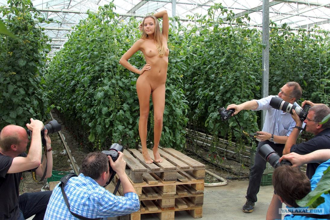 Смотреть онлайн онанизм в общественных местах 26 фотография