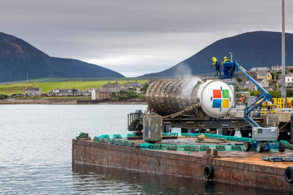 Microsoft подняла на поверхность первый подводный дата-центр — он два года пролежал на дне моря
