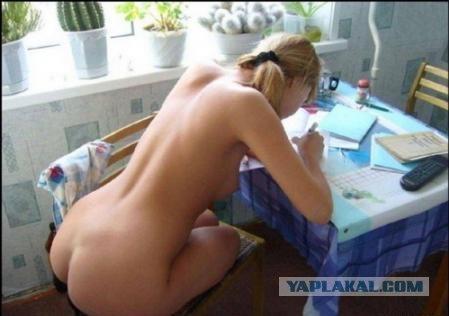фото красивых девушек голых с письмами
