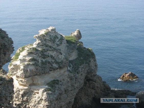 Мыс Тарханкут - самая западная точка Крыма.