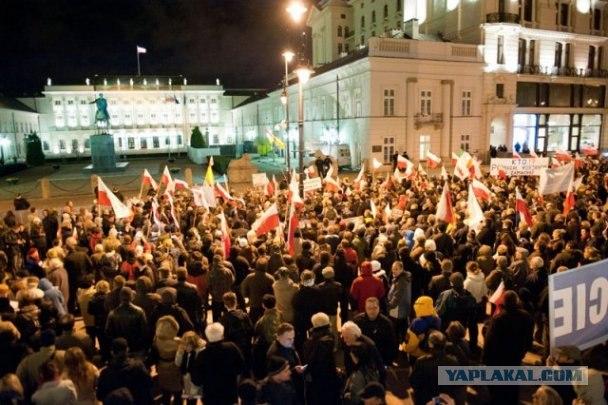Поляки сожгли чучело Путина