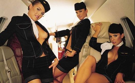 eroticheskoe-foto-styuardess-v-samoletah