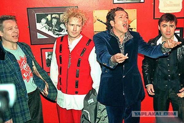 Sex Pistols выпускают живой DVD этим летом. . Фильм получил название &quot