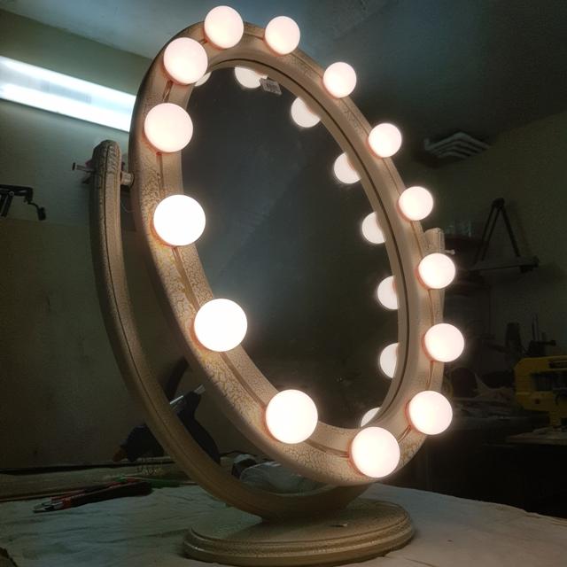 Самодельное зеркало с подсветкой