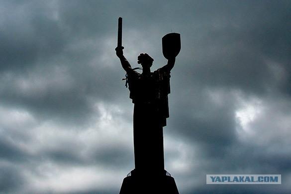 Рядом с киевской Родиной-матерью поставят монумент «Агрессия России»