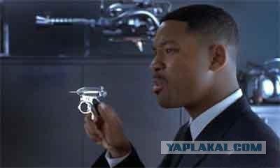 Самое крутое оружие из фильмов (16 фото)