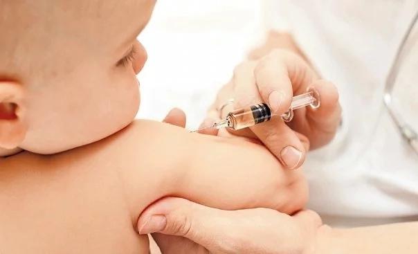 Казахстанских родителей будут штрафовать за отказ от вакцинации детей
