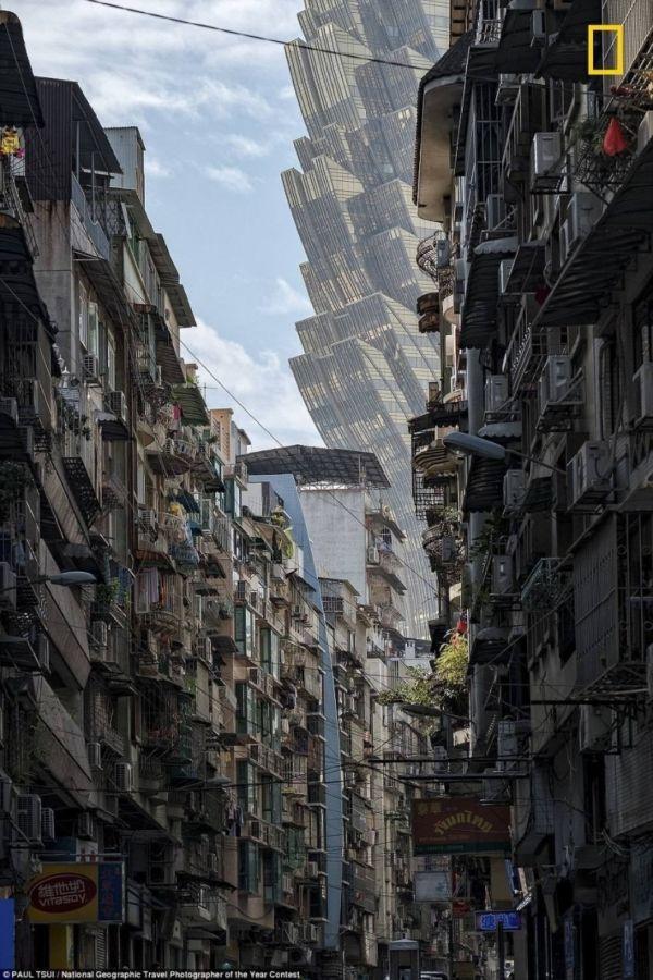 Фото с улицы в Макао напомнила фильмы про пришельцев