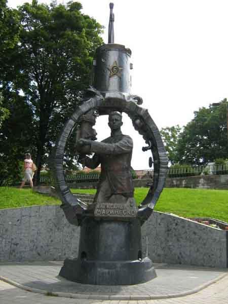 калининград подводная лодка памятник