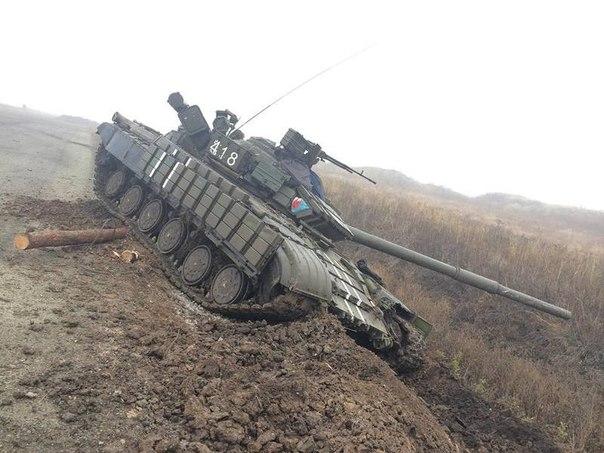 Россия продолжает поставлять военную технику боевикам. Наибольшая активность зафиксирована на ростовско-донецком направлении, - СНБО - Цензор.НЕТ 7446