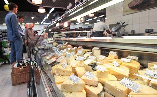 Около 80% сыра в российских магазинах-фальсификат