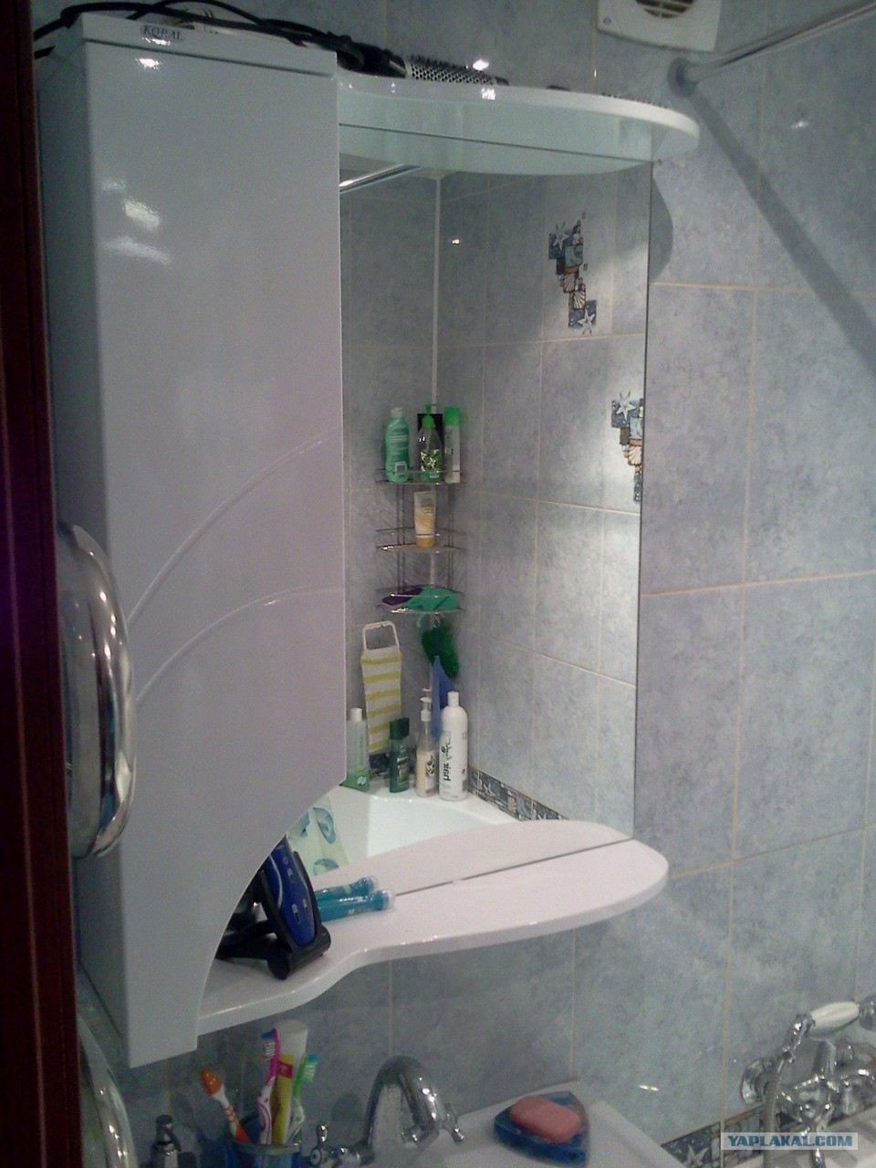 Зеркало для ванной комнаты: различные виды и
