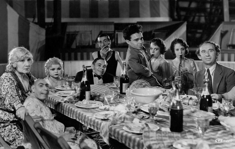шоу уродов фильм 1932
