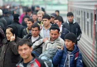 Российские политики развернули истерию против мигрантов из КР