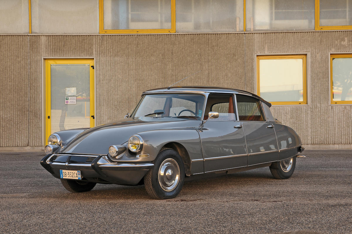1000 images about caracters citroen id ds on pinterest. Black Bedroom Furniture Sets. Home Design Ideas
