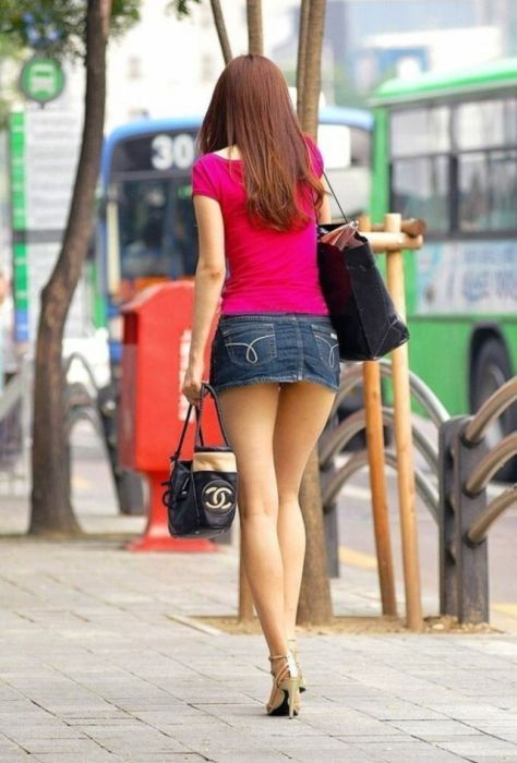 Лето! Чем выше градус, тем короче юбки!
