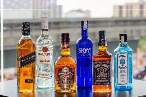 Производители алкоголя в России заметили, что средний класс перешёл с виски на водку