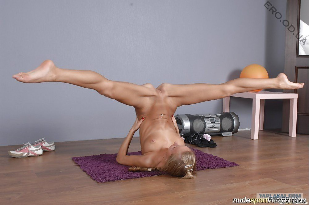 golie-foto-yogi-devushek