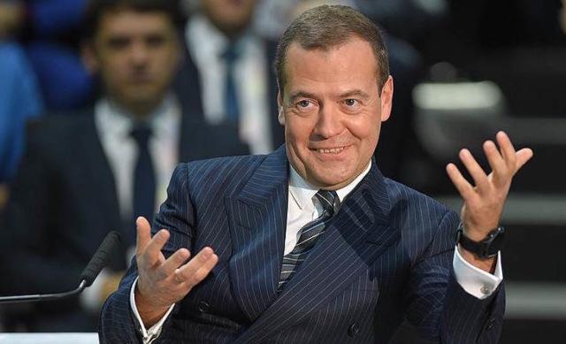 Медведев анонсировал создание в Петербурге аналога «Сколково». На него потратят 41 миллиард рублей