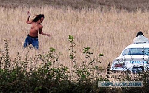 Ирландский фермер выгнал Рианну со своего поля